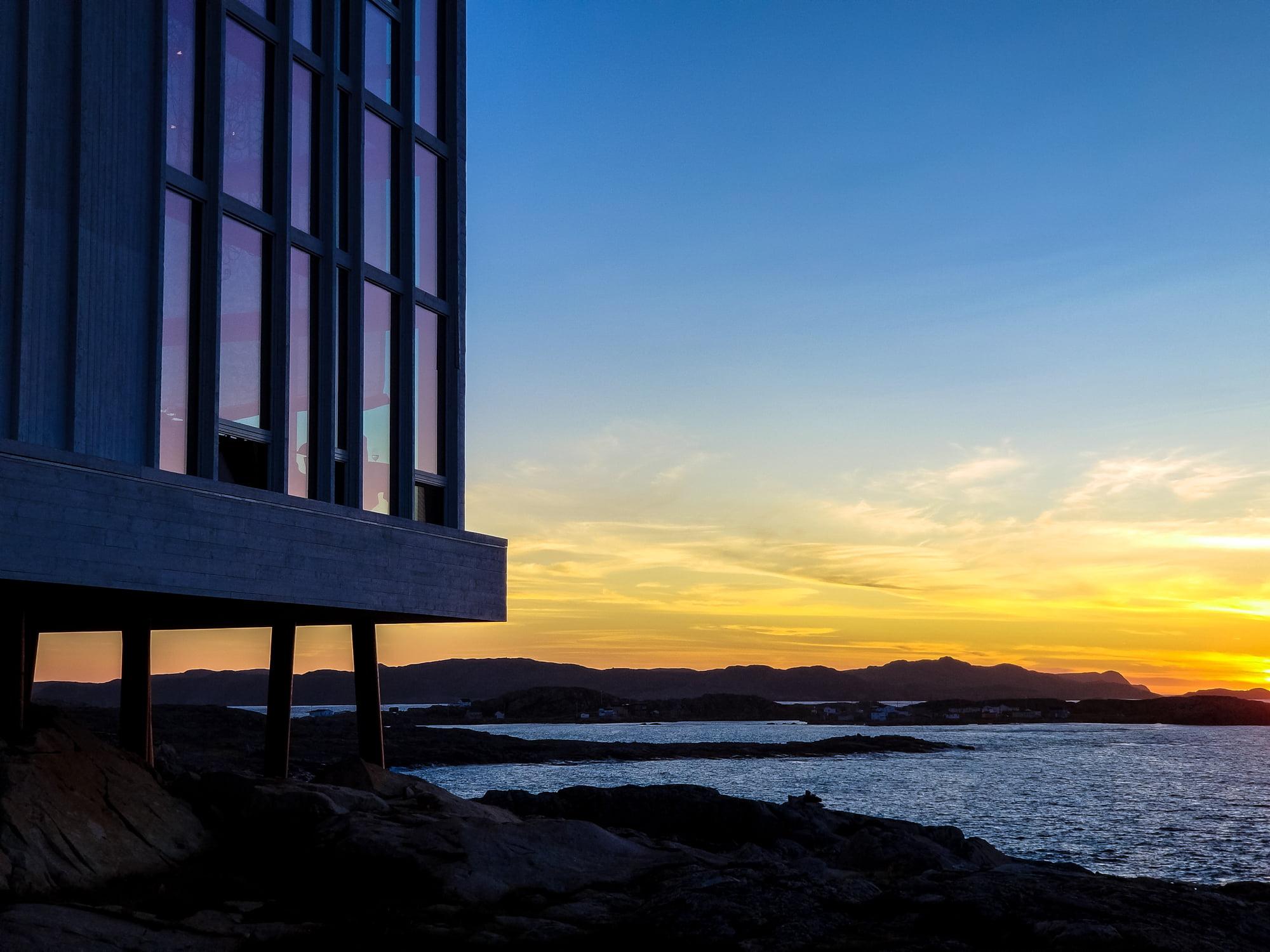 Fogo Island Inn at sunset | Samsung Galaxy Note 8