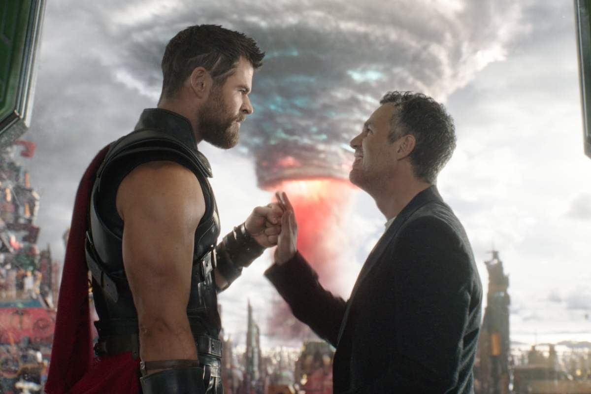 Chris Hemsworth and Mark Ruffalo in Thor: Ragnorak