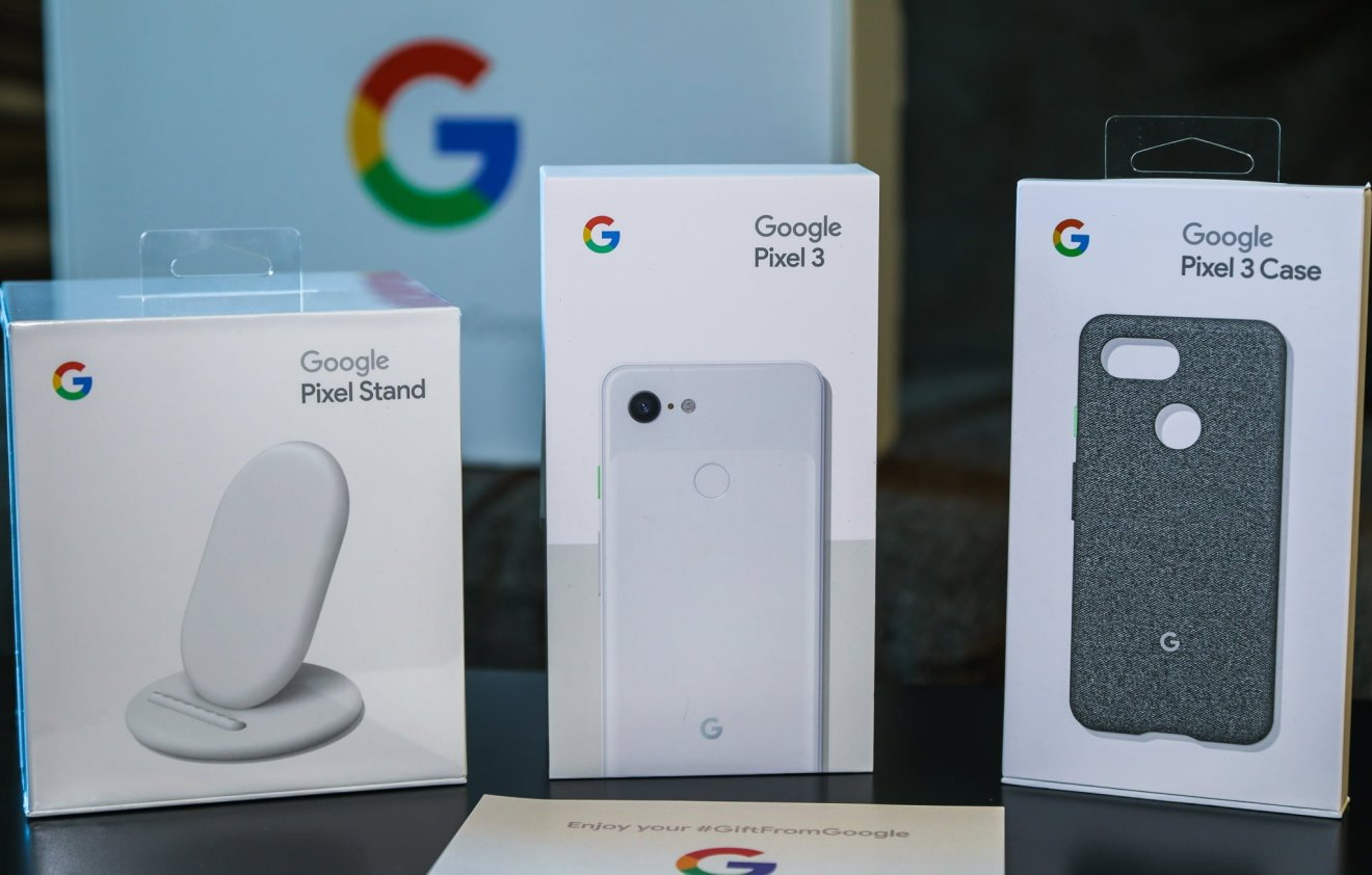 Google Pixel Stand, Pixel 3, and Pixel 3 Case