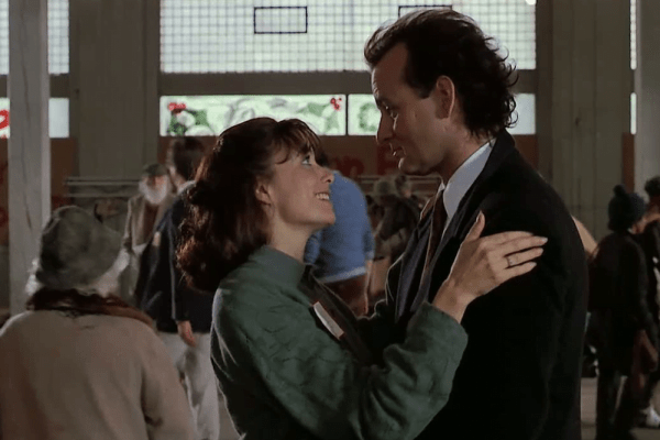 Karen Allen and Bill Murray in Scrooged