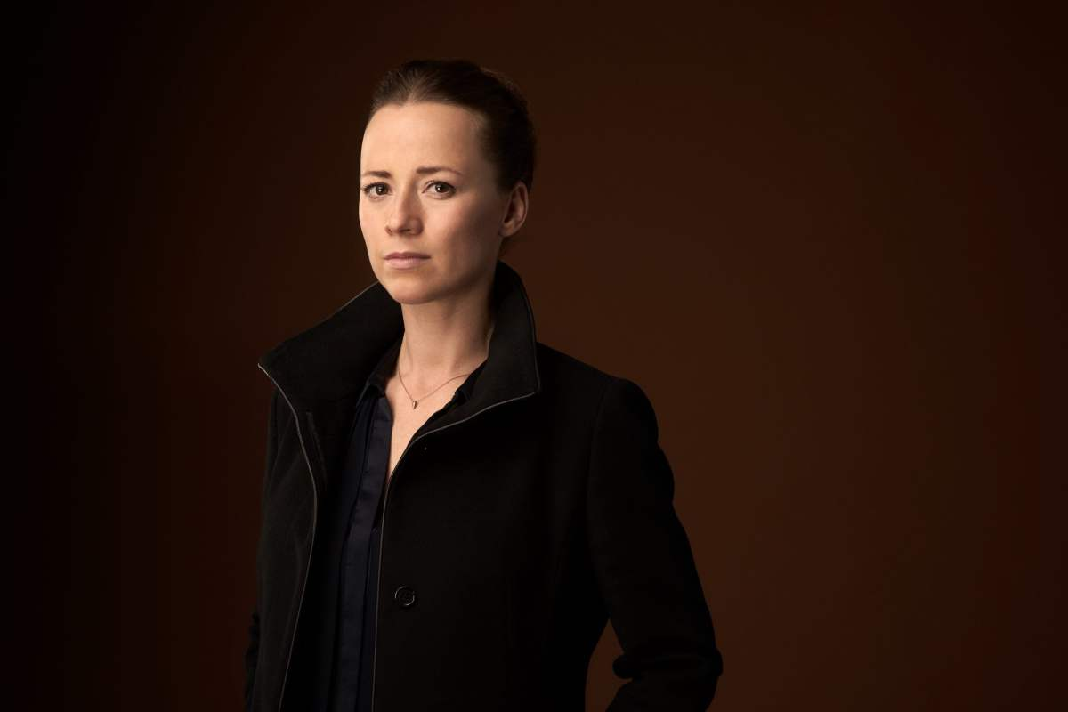 Karine Vanasse in Cardinal Season 3
