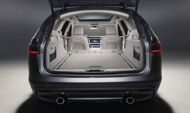 Jaguar XF R-Sport 250ps Sportbrake boot size