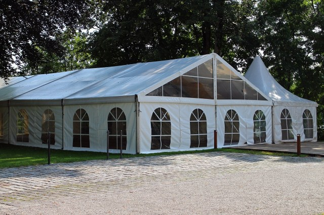 Hire a wedding marquee