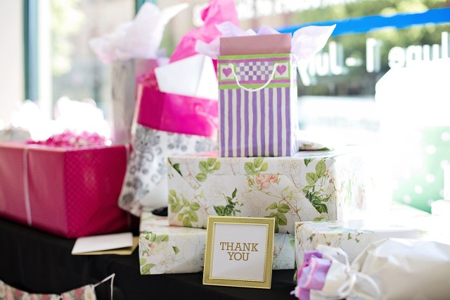 Looking for a gift listing service for your wedding?