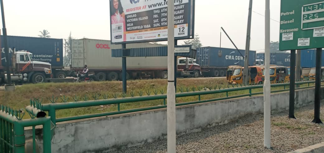 Residents Cries Out As Shipping Company Causes Traffic Bottleneck In Apap