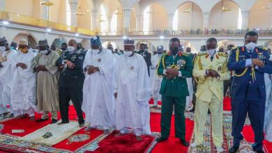 Photo of In Pictures, Senate President Represents Buhari At Armed Forces Remembrance Day Jumat Service