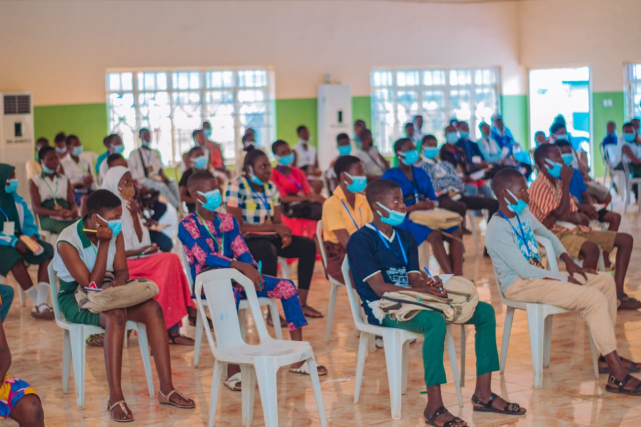 Skill Acquisition: Oyo Begins Training For 200 Secondary School Students In Photography