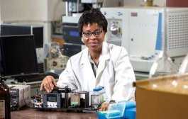 Meet Omowunmi Sadik, Nigerian Chemist Who Invented Biosensors That Detect Bomb