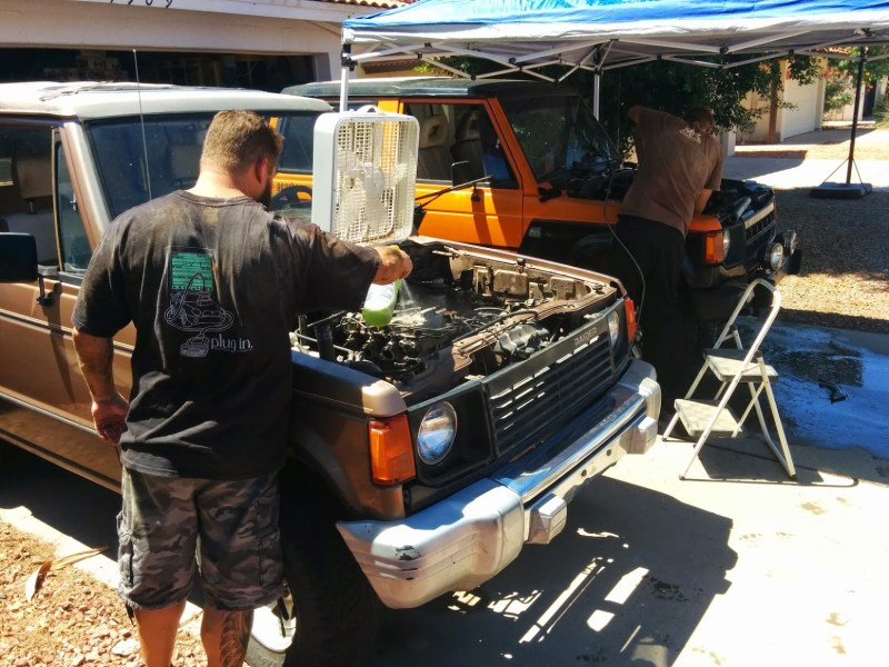 A pair of 1G Monteros/Pajeros getting engine swapped.