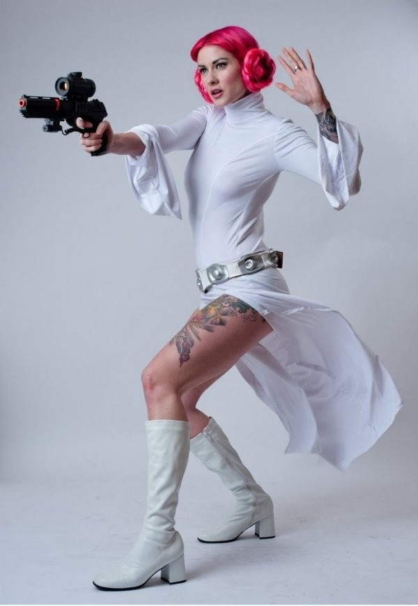 Rebel Leia cosplay