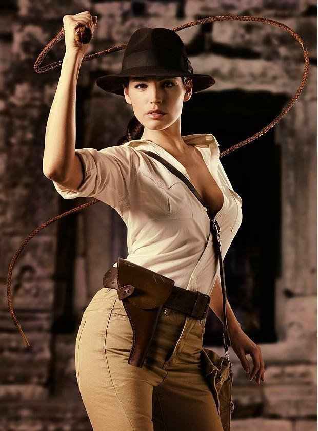 Rule 63 Indiana Jones cosplayed by Kelly Brooke