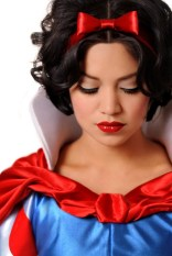 Snow White cosplay photographed by Ryan Anastamendi