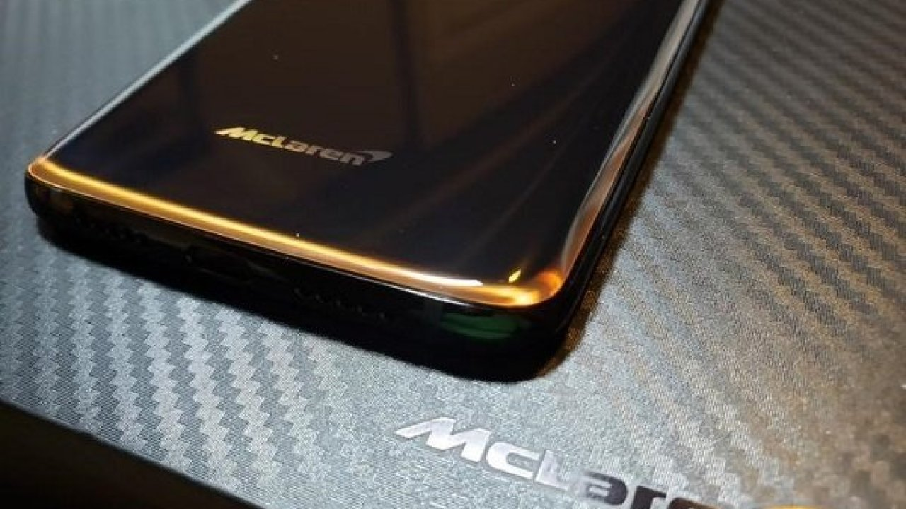 How to get OnePlus 6T McLaren wallpapers, boot animation, and sounds