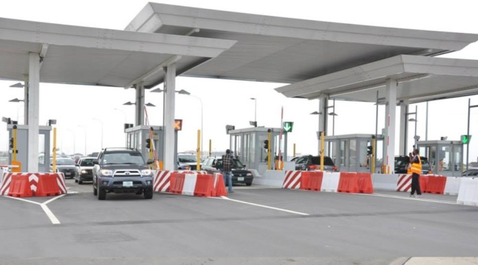 BREAKING: Buhari-Led Govt Reintroduce Tollgates Fees....Reveals How Much Motorist Will Pay Per Trip