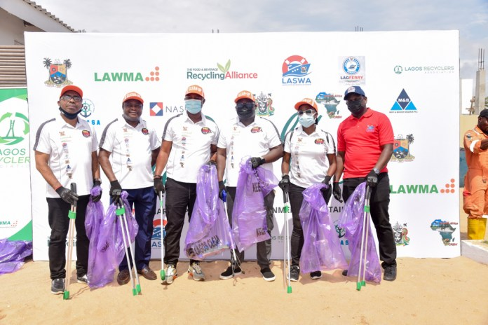 LAWMA Holds World Clean-Up Day At Ilashe - #WorldCleanDay [PHOTOS]