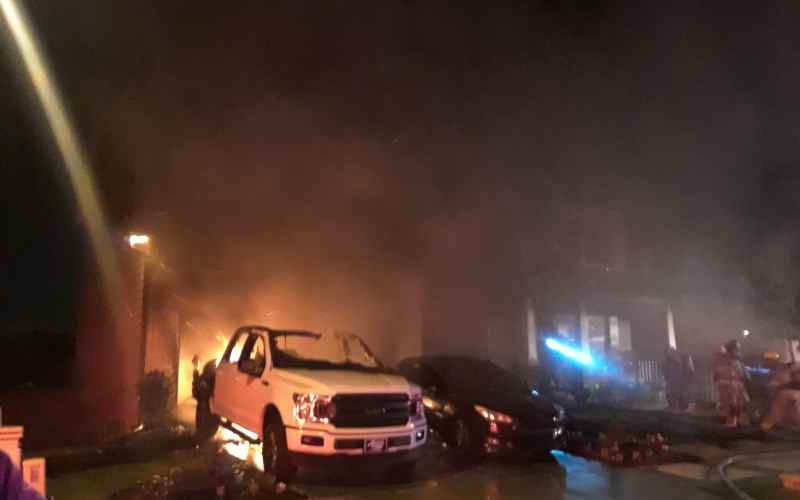 Cars destroyed in Gwinnett County house fire