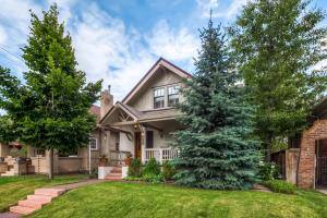 2250 Dahlia St Denver CO 80207-large-003-Exterior Front-1500x999-72dpi