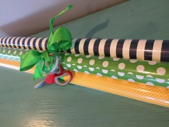 The Gifty Girl, Gift wrapping Fast & Frugal Gift Idea
