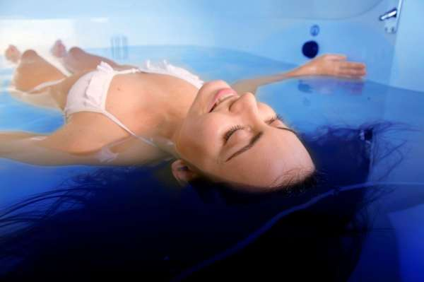 laying-in-a-float-tank