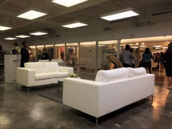 another-view-of-the-buyers-lounge