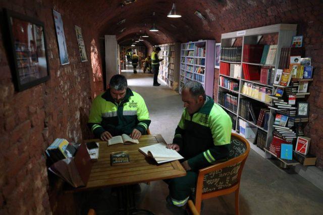 I netturbini salvano i libri: nasce la biblioteca di Ankara