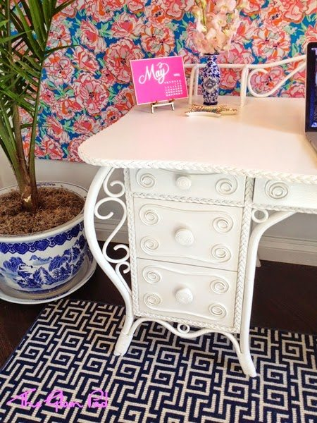 Lilly Pulitzer Desk Sugar Paper Lucky Charms Estate Auction
