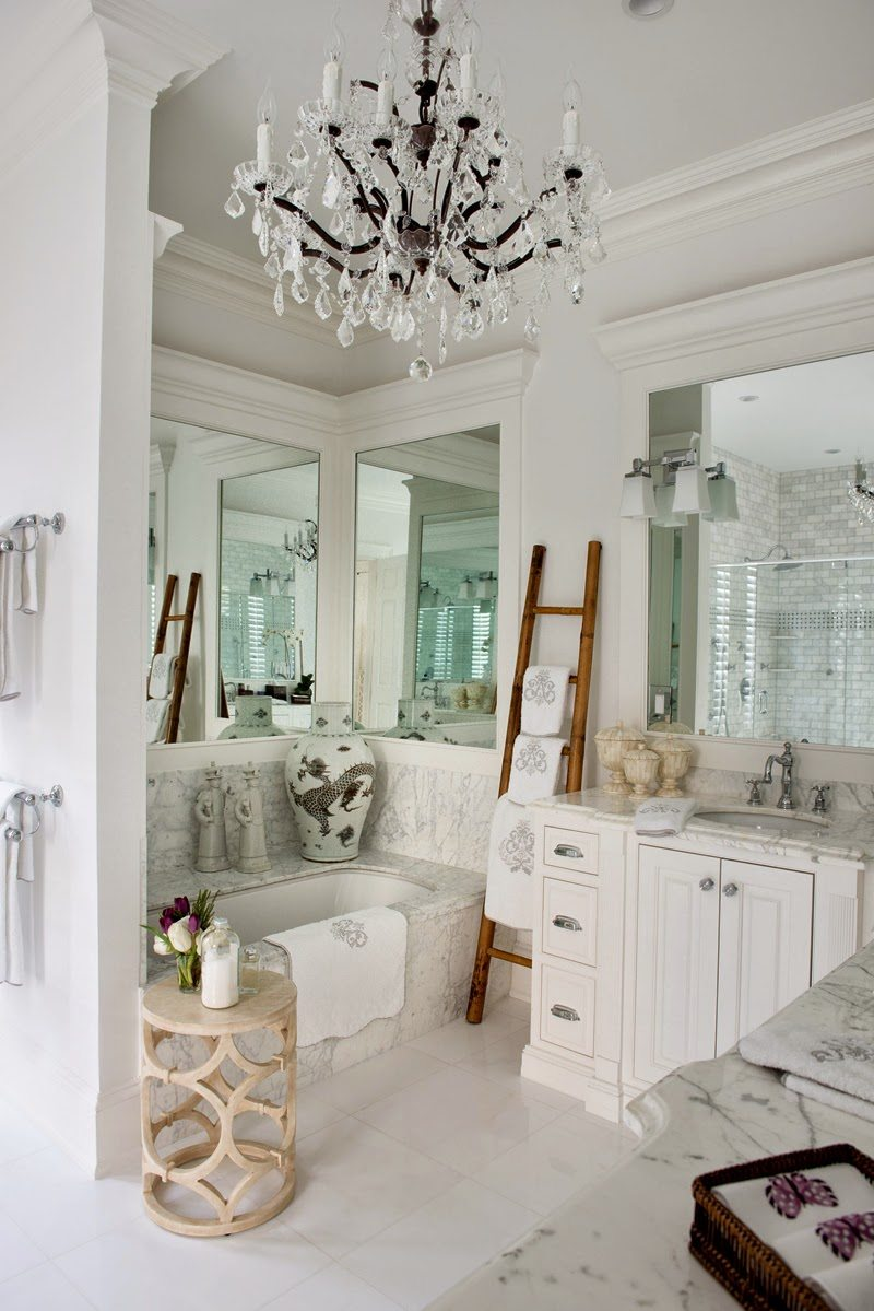Simple Isn ut this home gorgeous I adore all of the blue and white porcelain and Chinoiserie accents