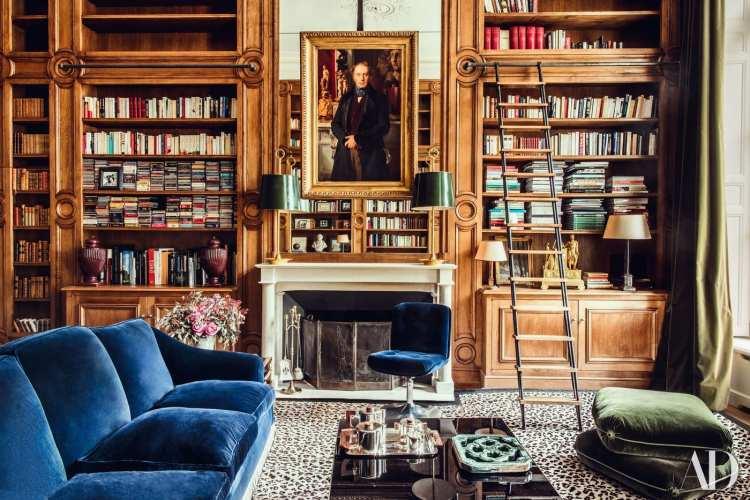 A Painstakingly Restored 18-Century Paris Apartment