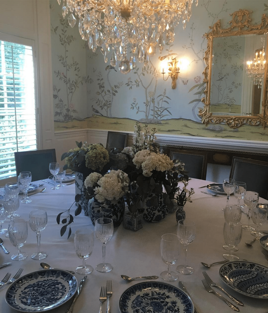 De Gournay Chinoiserie Wallpaper Blue And White Tablescape Dining