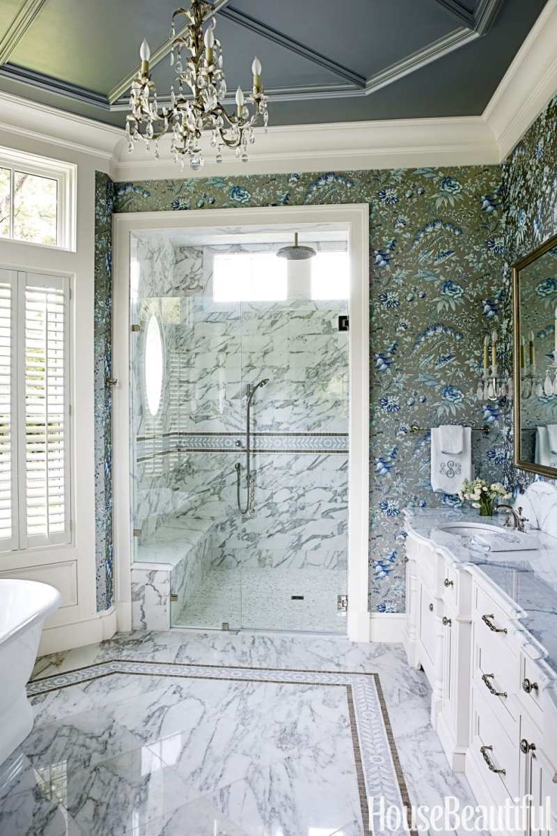 An all american summer house by suzanne kasler for Show home bathrooms