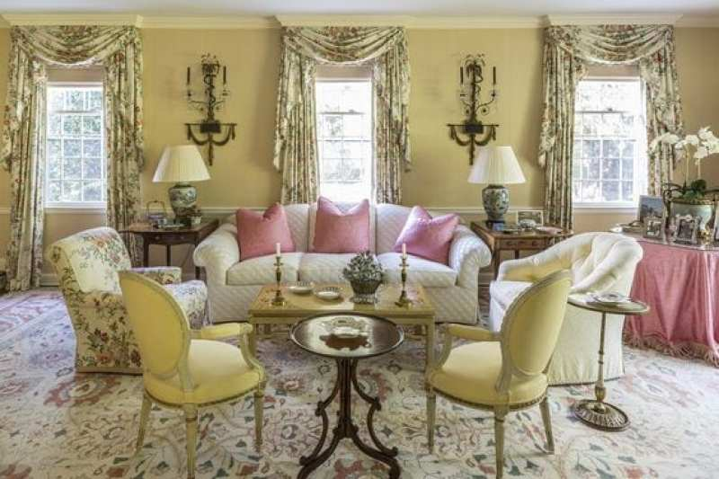 chintz-living-room-traditional