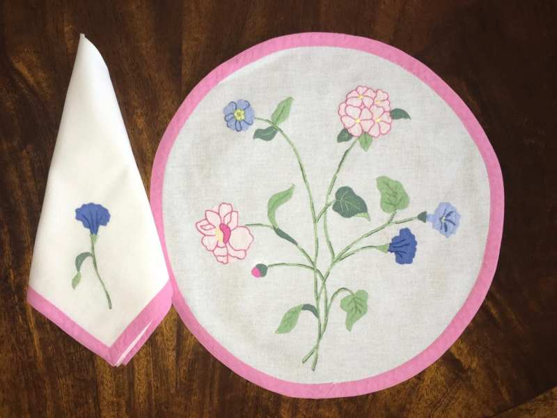patricia-altschul-leron-linen-luzanne-otte-collection-pansies-placemats-napkins-belgian-linen-embroidery-floral