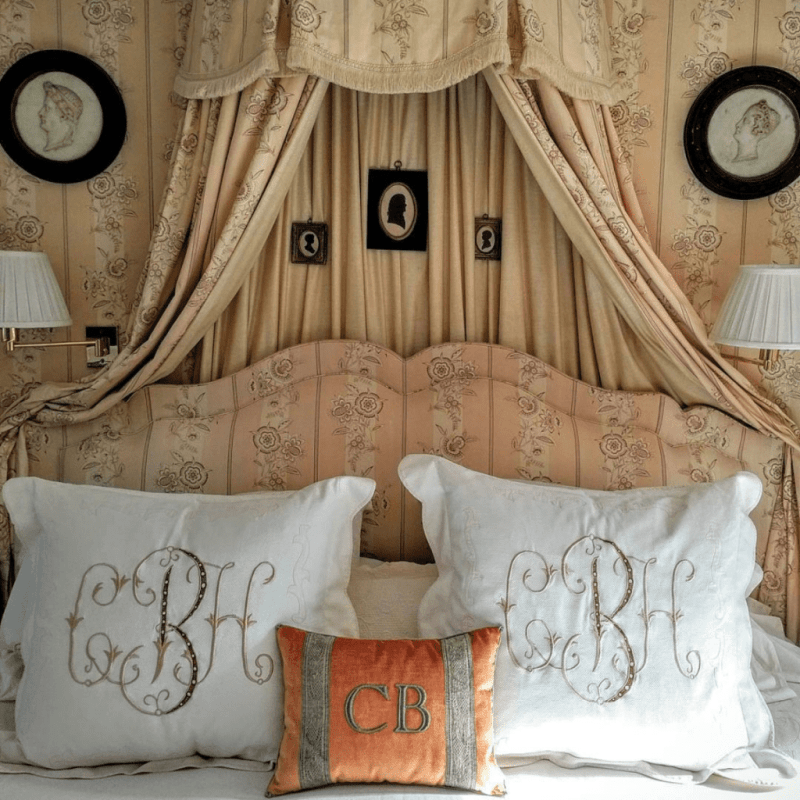 chesie-breen-leontine-linens-monogram-monogrammed-canopy-bed-silhouettes