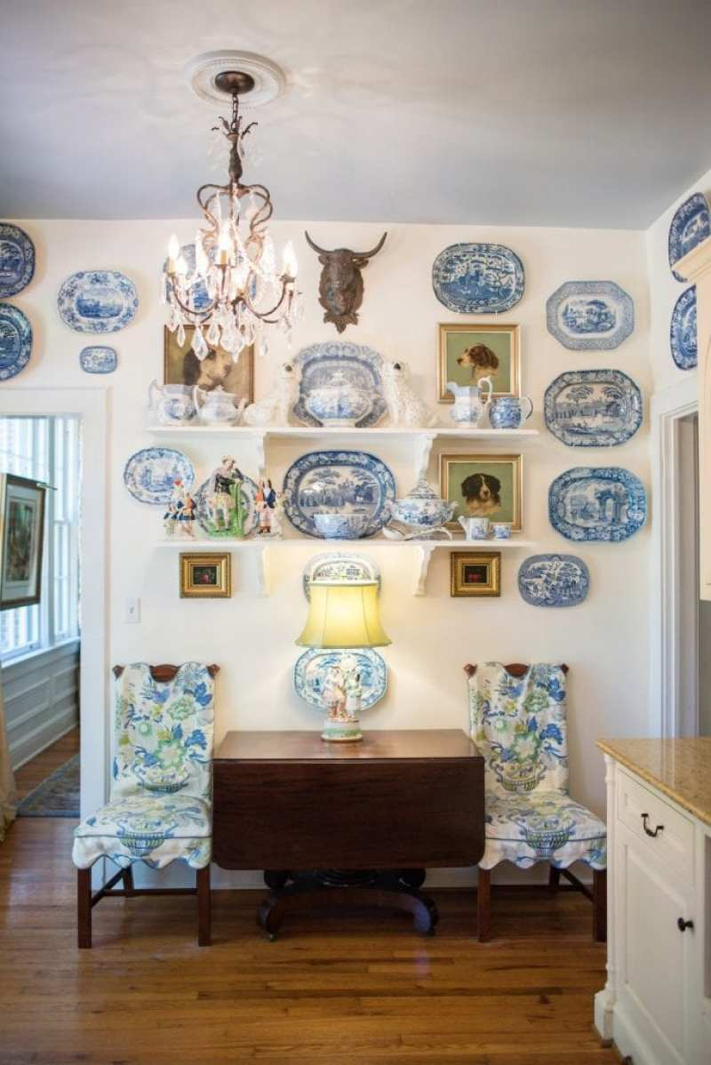 blue-white-chinoiserie-plates-dog-paintings-gallery-wall-staffordshire-antique