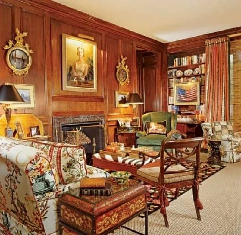 mario-buatta-wood-paneled-library-preppy-interiors-cozy