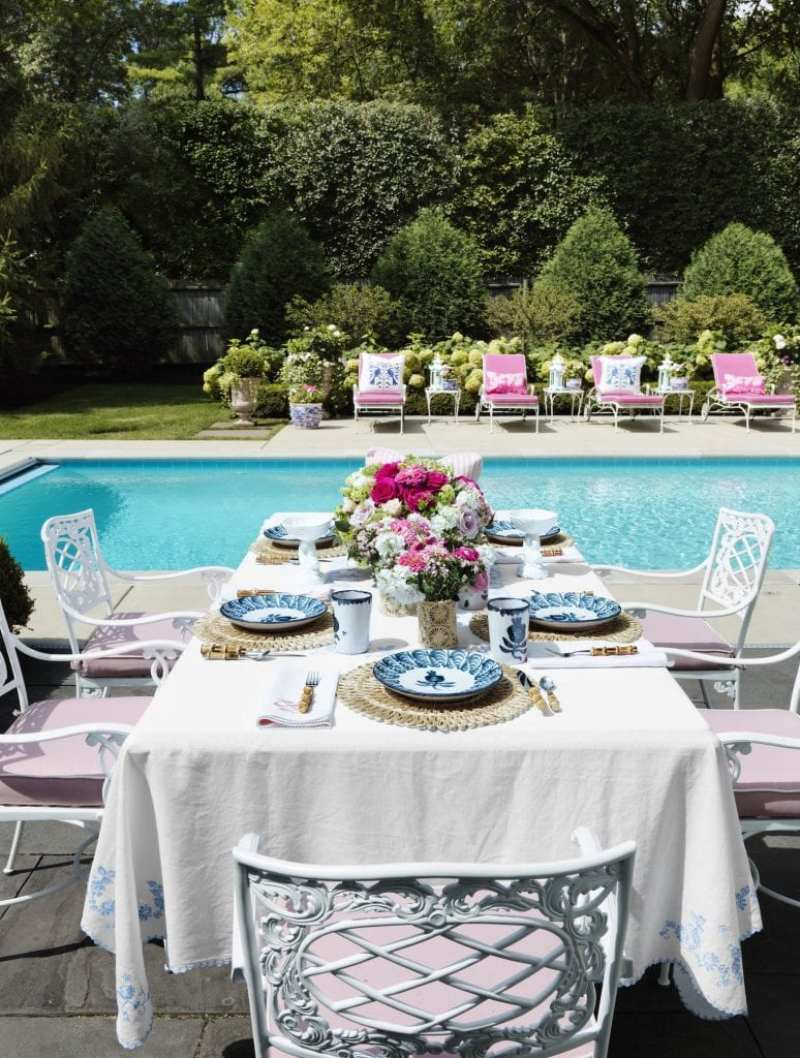 al-fresco-capri-inspired-blue-white-porcelain-bamboo-flatware-dishes-vintage-patio-furniture