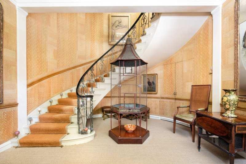 1-sutton-place-spiral-staircase-degas-birdcage-foyer