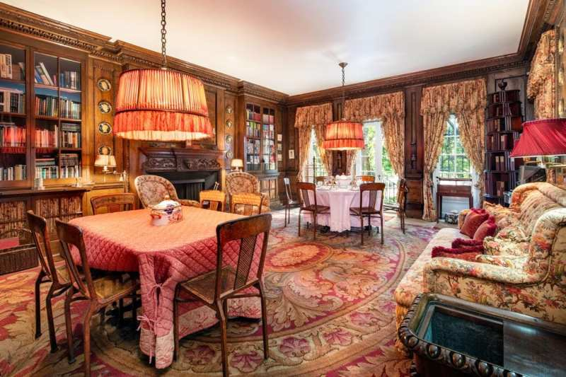 dining-room-library-floral-renzo-mongiardino-1-sutton-place-for-sale-sothebys
