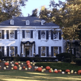 fall-halloween-thanksgiving-landscaping-front-door-decorating-ideas-pumpkins