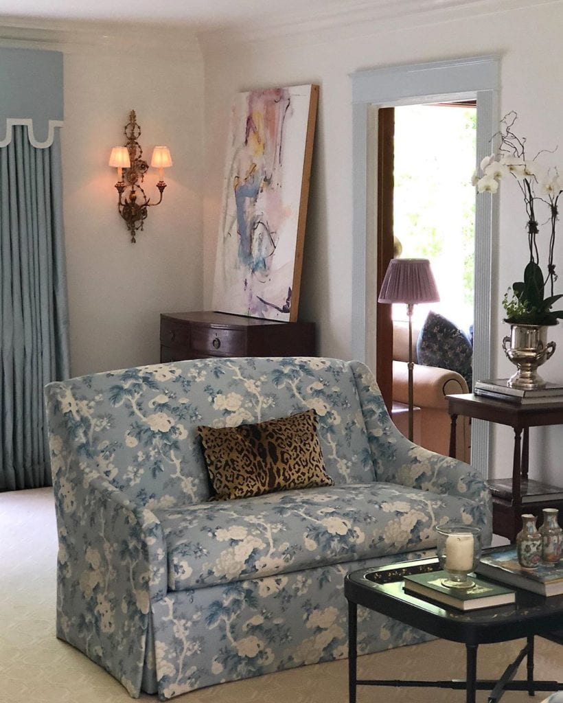 Green Living Room Ideas In East Hampton New York: Anne-wagoner-blue-and-white-chintz-floral-abstract-art