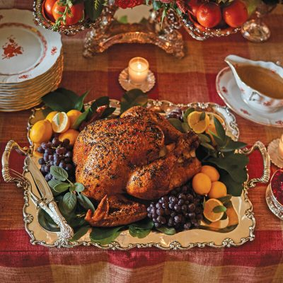 15 Festive Thanksgiving Tablescapes