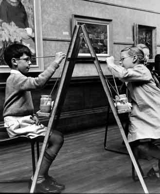 Keywords: art galleries, boys, children, children's art classes, exhibitions, fashions, girls, Glasgow Photographic Survey 1955, Kelvingrove Art Gallery and Museum, museums, Nerston Child Guidance Residential School, painting, paintings