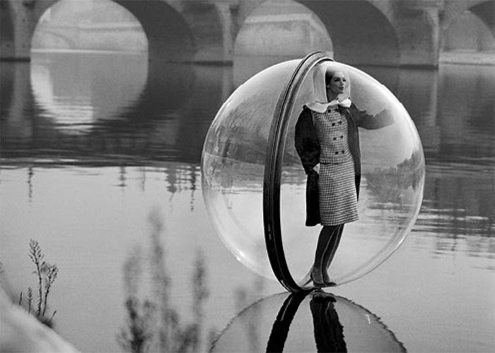 On the seine, Paris, 1963, Simone d'Aillencourt