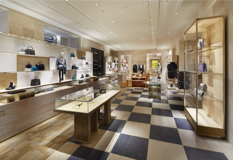 197d89903017 Place Vendôme store - Ground Floor (1) ©Louis Vuitton Stéphane Muratet