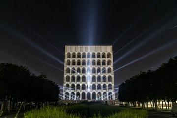 Laszlo Bordos creates video mapping projection for FENDI headquarters in Rome