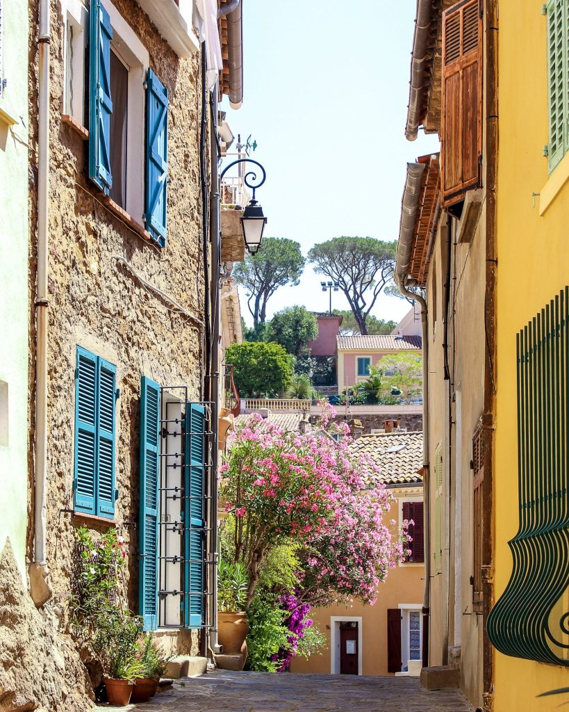 Bormes-les-Mimosas - 5 of the Prettiest Villages on the French Riviera