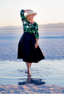 michelle inkley, photo shoot at the great salt lake,  the glitzy pear, photo of blogger