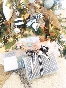 creative Christmas wrapping, unique boxes, Christmas wrapping, pastel Christmas, modern Christmas packages, easy wrapping, no tape wrapping solutions, Christmas presents, how to wrap awkward sized gifts, fun wrapping ideas, clear bags, sponsored post,