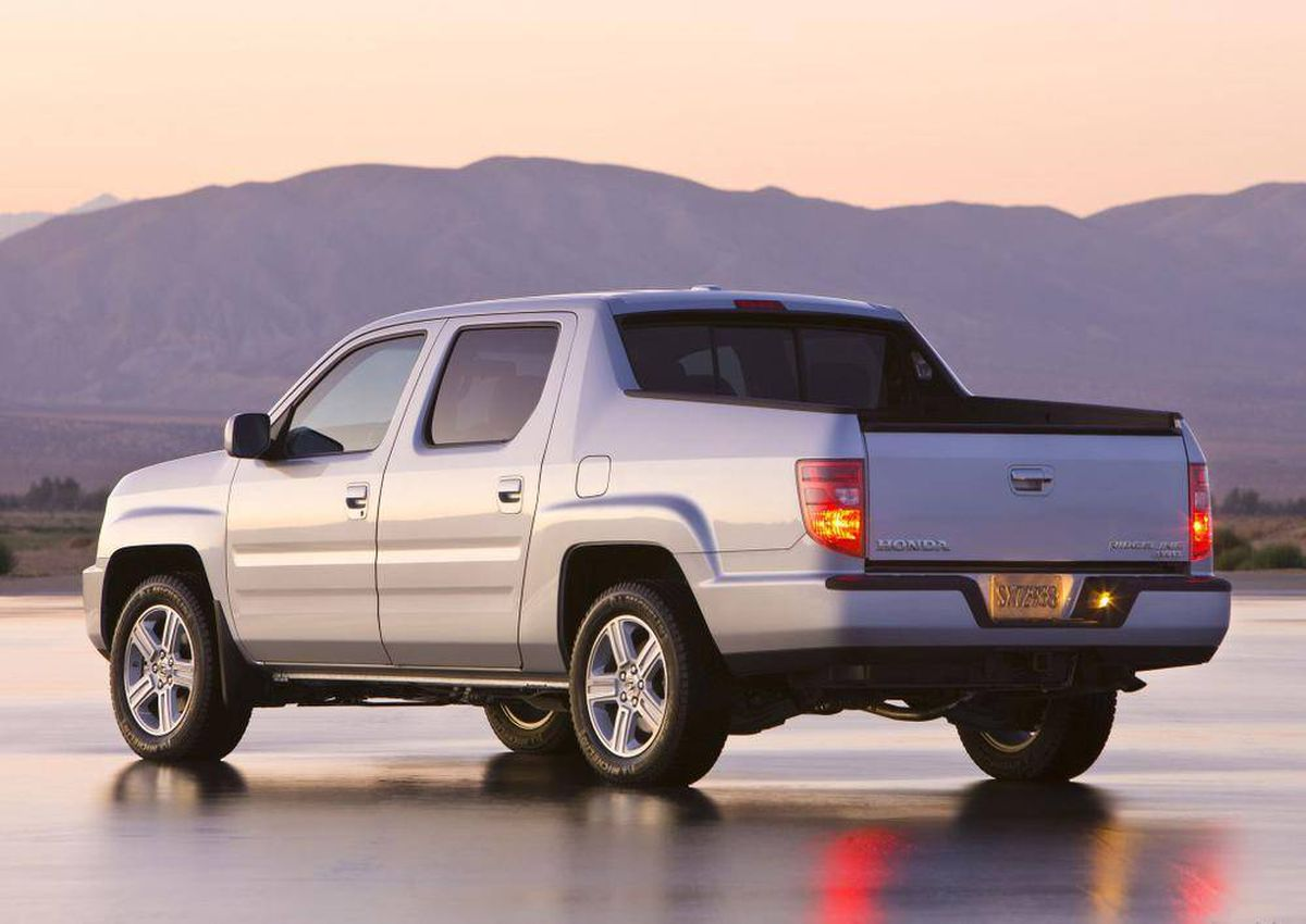 hight resolution of buying used honda ridgeline is a steady performer