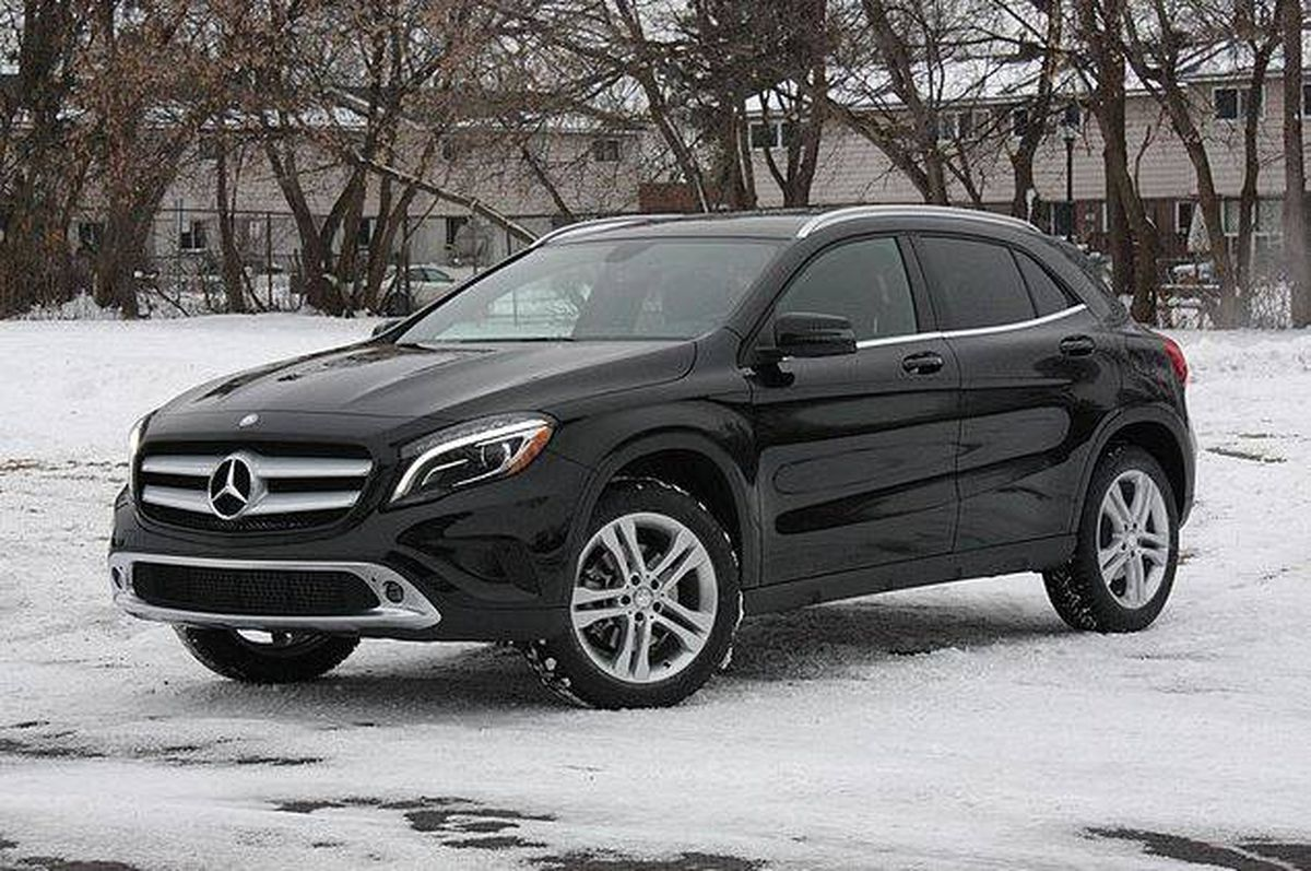 Review 2015 Mercedes Benz GLA 250 Is Quirky Yet Easy To